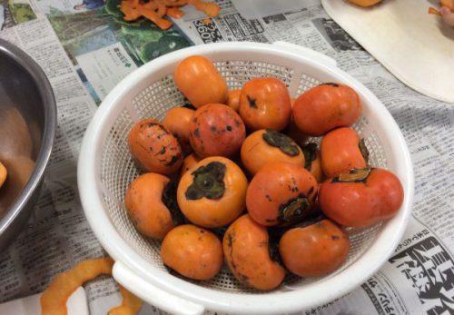 img 2239 500x347 - 柿の皮むきました😊