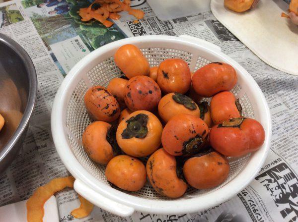 img 2239 - 柿の皮むきました😊